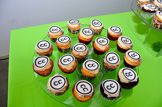 Cupcakes with Creative Commons CC logo on top